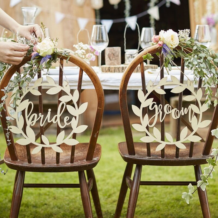 WOODEN BRIDE AND GROOM WEDDING SIGNS