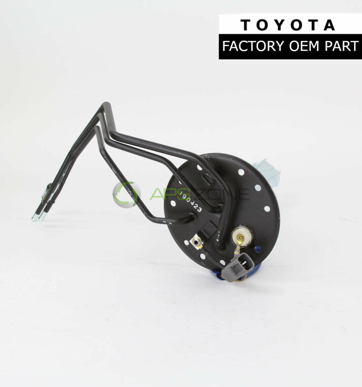 Genuine Toyota 15767-31020 Engine Oil Cooler Pipe