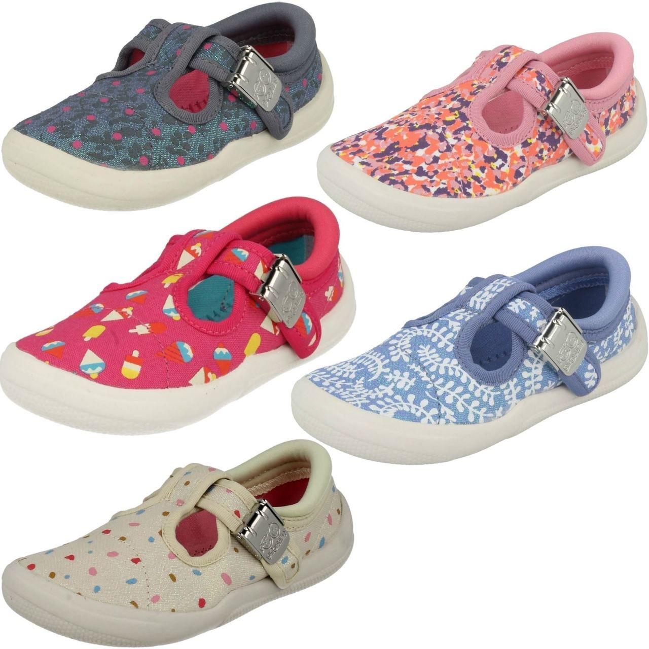 CLARKS Gracie lacy Junior Girls Doodles Canvas Shoe