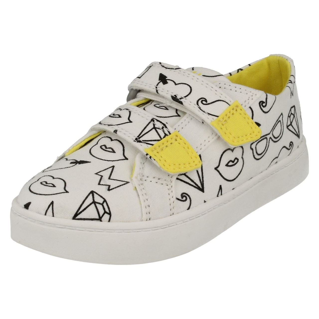 Girls Clarks Canvas Shoes Pattie Sue