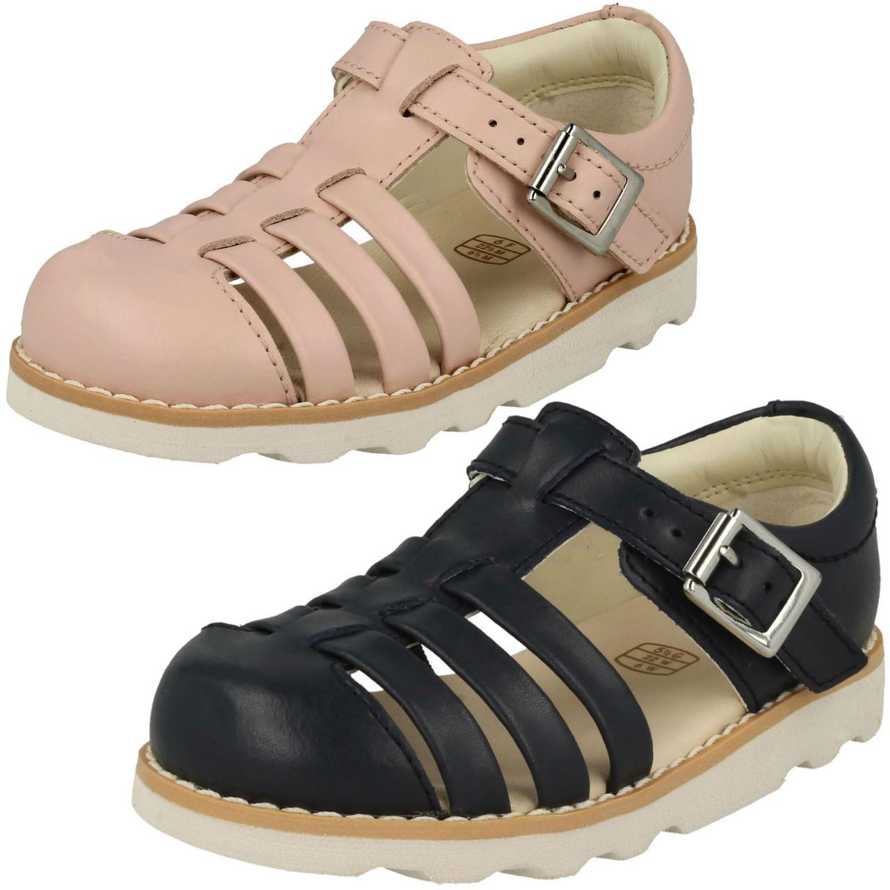 microscópico Ahorro Esperar algo  Childrens Boys Girls Clarks Closed Toe Sandals Crown Stem