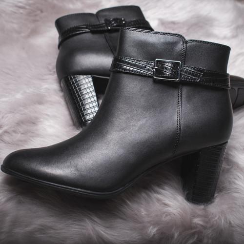 Ladies Clarks Zip Heeled Ankle Boots Alayna Juno