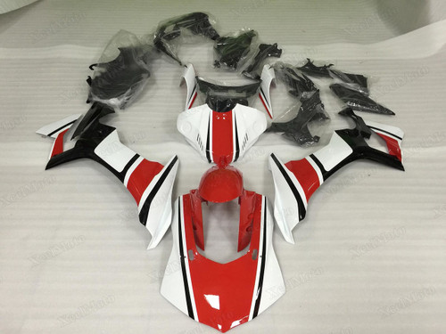 2015 2016 2017 2018 2019 Yamaha R1 red and white fairings
