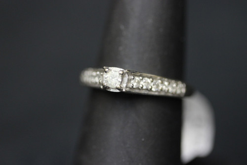 14K White Gold Diamond Engagement Ring w Accent Diamonds - 0.58cttw