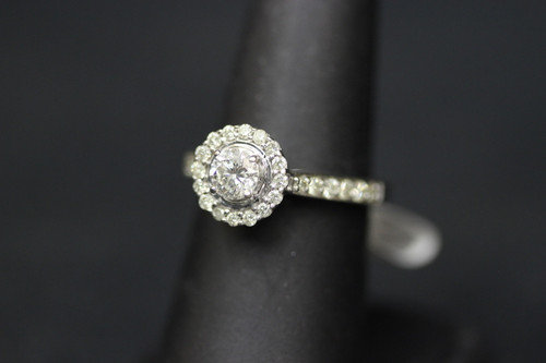 14K White Gold 1.75cttw Halo Diamond Engagement Ring - Sz 7