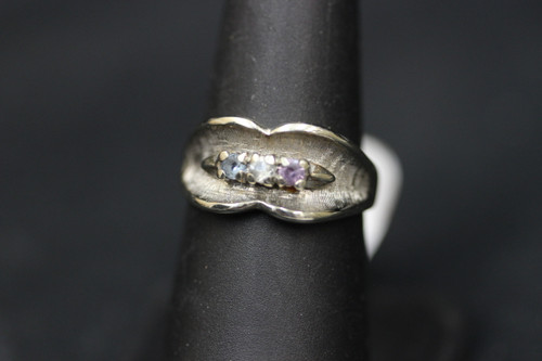 14K White Gold Freeform Mother's/Grandmothers Ring - Sz 7.25