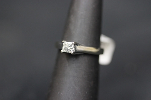 14K White Gold 0.50ct Princess Cut Solitaire Diamond Engagement Ring - Sz 4.5