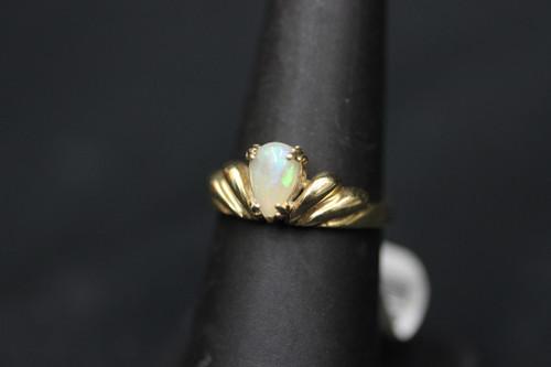 14K Yellow Gold Opal Freeform Scallop Design Ring - Sz 7