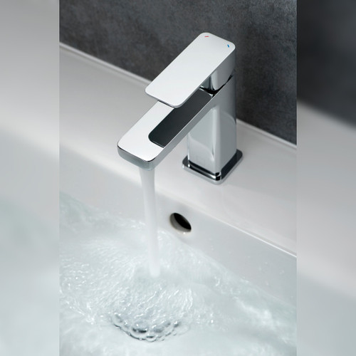 Phase Mono Basin Mixer with Universal Waste