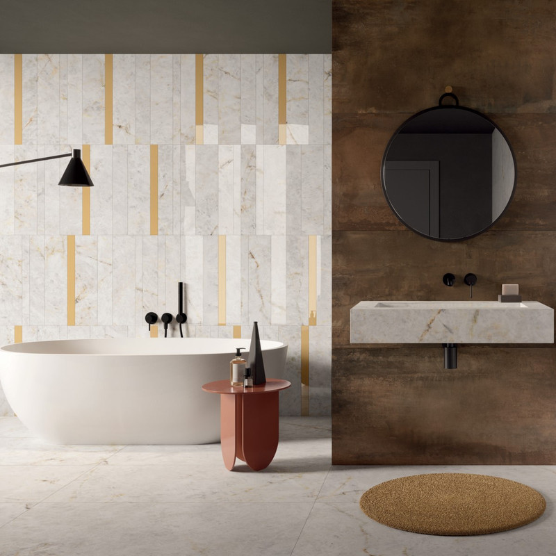 BATHROOM WITH FREE STANDING BATH AND FEATURE WALL. TILES USED ARE CRYSTAL 120X270, 60X120, 30X60 MIX SIZES RETT-LUX + ATLANTIS LIST. SENAPE 5X60 + INTERNO 9 RUST 60X120