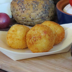 Frozen Croquettes breadcrumbed with Leek, Chicken or Serrano Ham