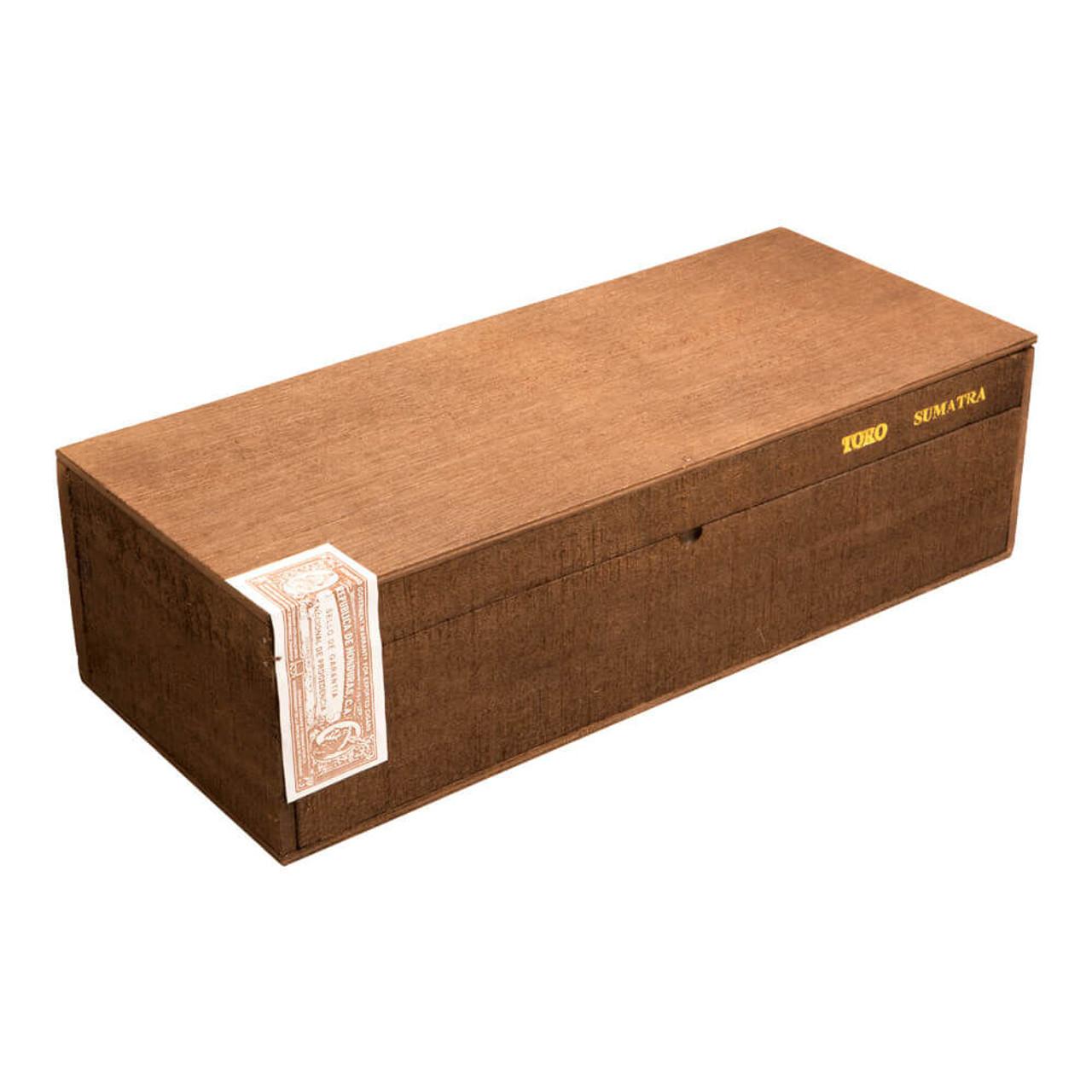 Rocky Patel The Edge Sumatra Sumatra Toro Tray Cigars - 6 x 52 (Box of 100)