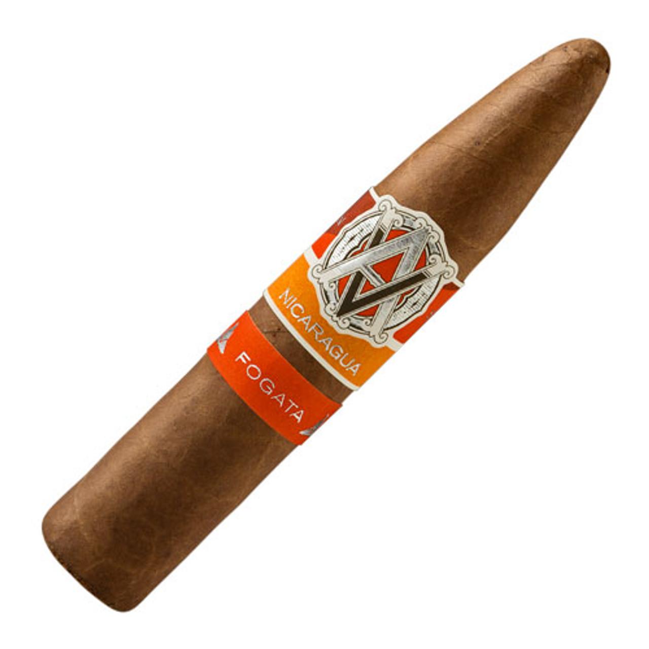 AVO Syncro Nicaragua Fogata Short Torpedo Cigar