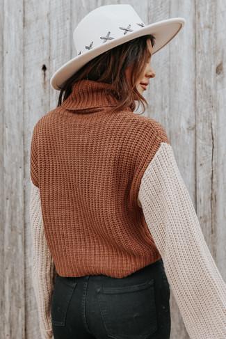 Turtleneck Contrast Camel/Taupe Sweater
