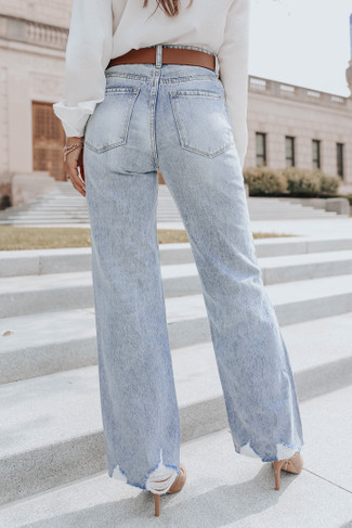 Undercurrent Light Wash 90s Straight Jeans