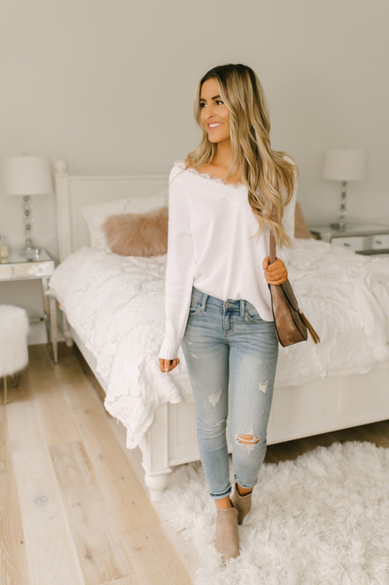 Snow Princess V-Neck Lace Detail Sweater - White