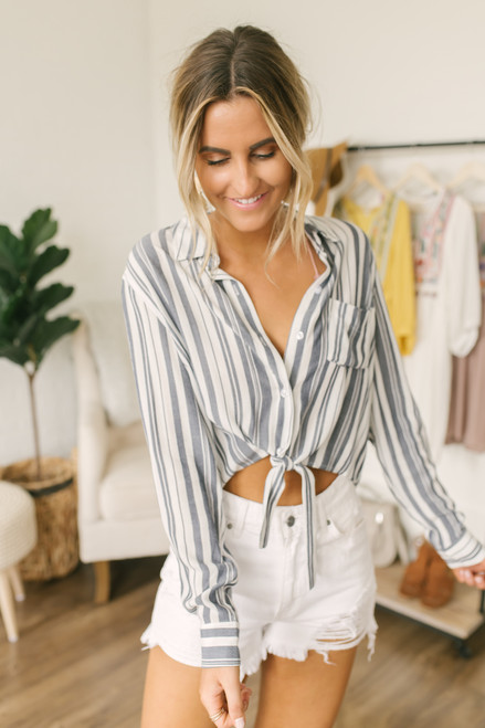 Button Down Cropped Knot Top - Navy/White