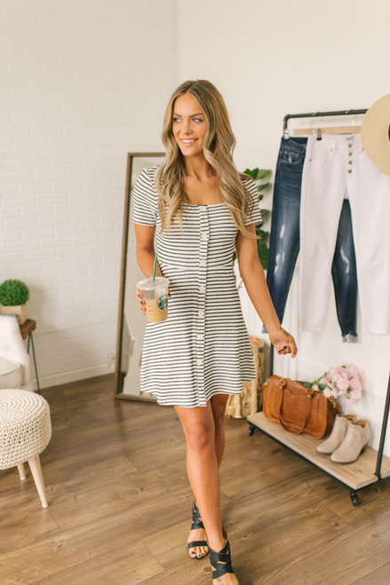 Short Sleeve Button Down Skater Dress - Ivory/Black