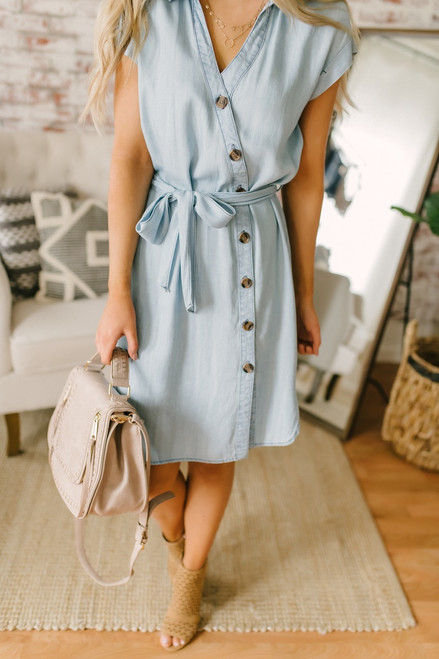 Short Sleeve Asymmetrical Button Down Dress - Light Wash