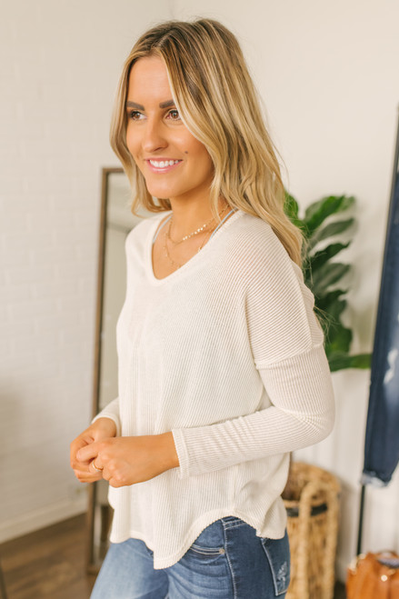 Everly V-Neck High Low Ribbed Top - Cream