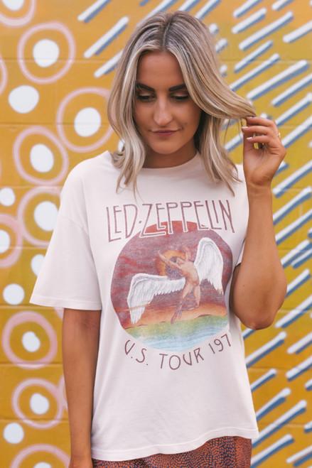 Daydreamer Led Zeppelin Tour 1975 Boyfriend Tee - Sand