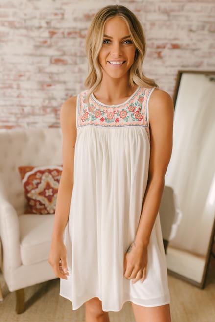 Maui Coast Embroidered Shift Dress - Off White Multi