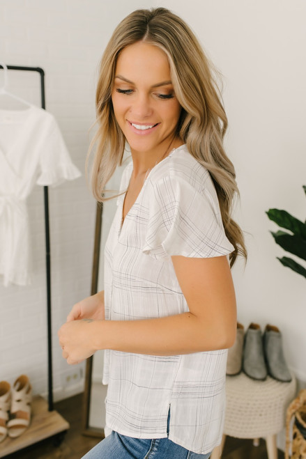 Flutter Sleeve Button Down Grid Knot Top - White/Black