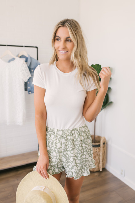Everly Floral Ruffle Shorts - Summer Sage/Cream