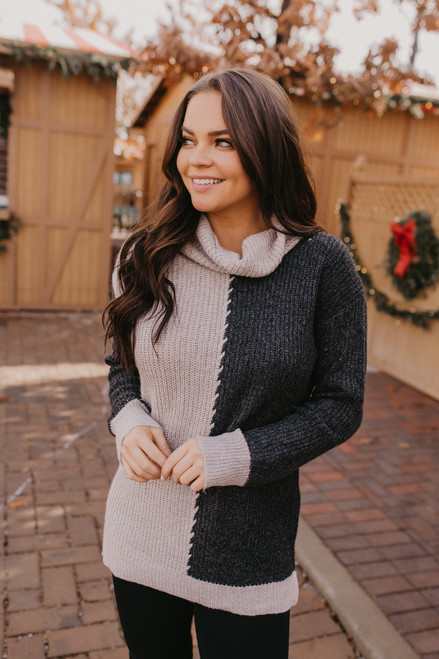 Center Stitch Colorblock Sweater - Oatmeal/Charcoal