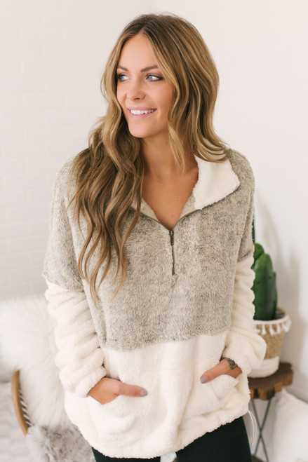 Snow Bunny Colorblock Pullover - Oatmeal/Ivory