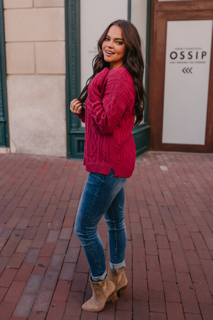 Aspen Highlands Cable Knit Sweater - Berry