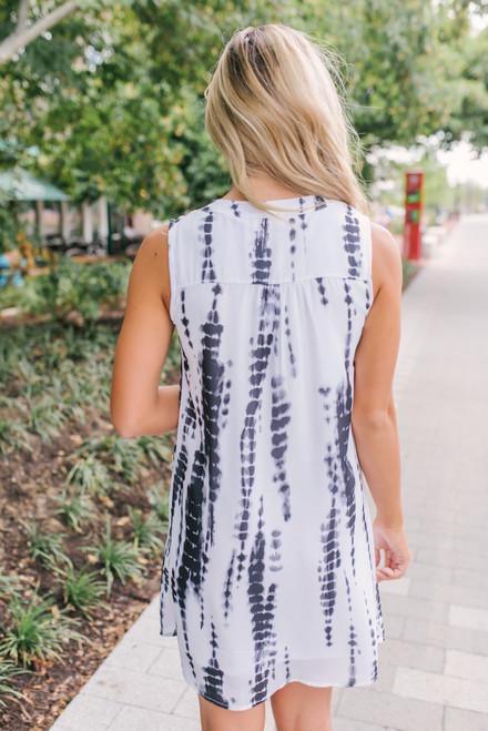 V-Neck Tie Dye Shift Dress - White/Black