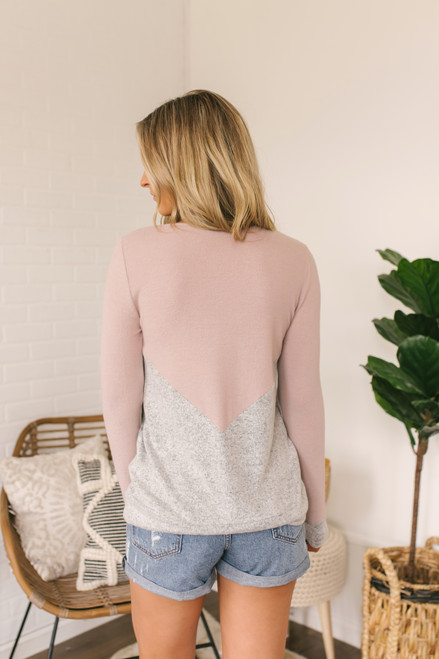 Soft Brushed Chevron Colorblock Pullover - Mauve/Grey
