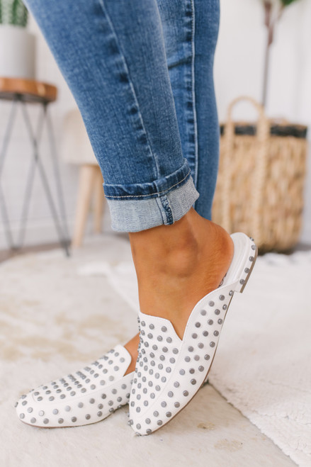 Coconuts by Matisse Kitty Studded Mules - White