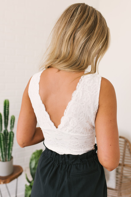 V-Neck Scalloped Lace Bodysuit - White