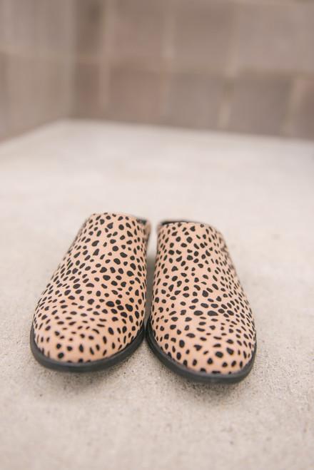 Textured Leopard Mules - Tan/Black
