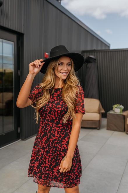 Short Sleeve Printed Shift Dress - Red/Black