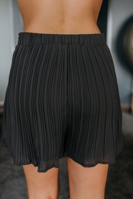 Shake It Off Pleated Shorts - Black Shake It Off Pleated Shorts - Black