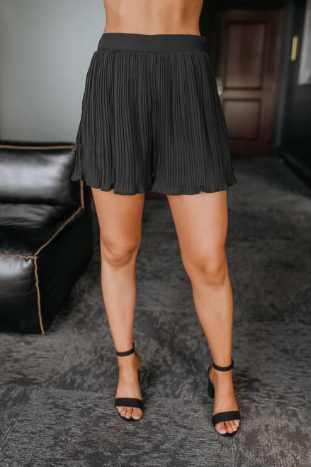 Shake It Off Pleated Shorts - Black