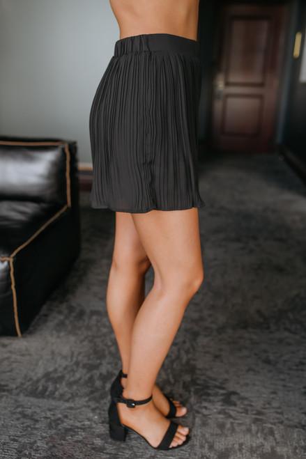 Shake It Off Pleated Shorts - Black - FINAL SALE