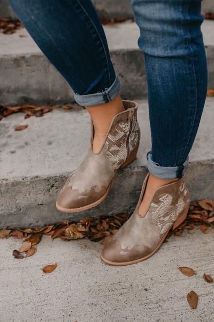 Shelby Snakeskin Western Booties - Cream