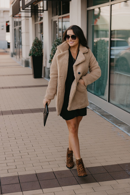 Winter Cottage Teddy Coat - Taupe