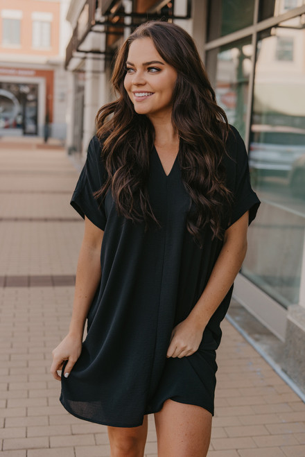 Short Sleeve V-Neck Shift Dress - Black