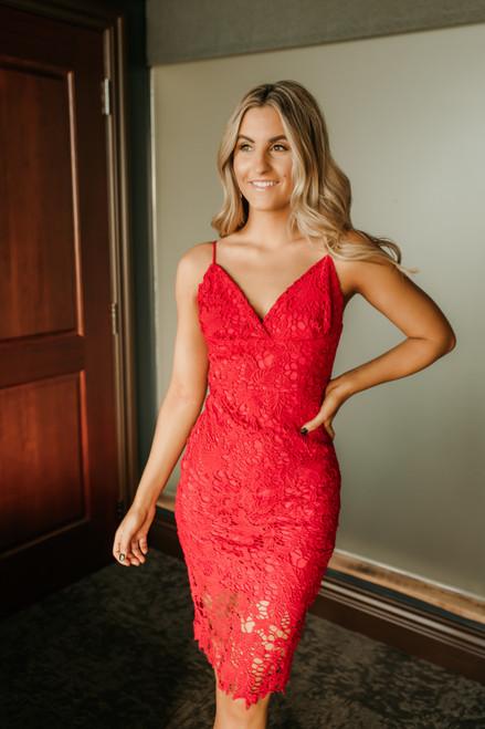 Hollywood Starlet Lace Midi Dress - Scarlet