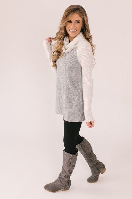 Turtleneck Colorblock Sweater - Ivory/Grey
