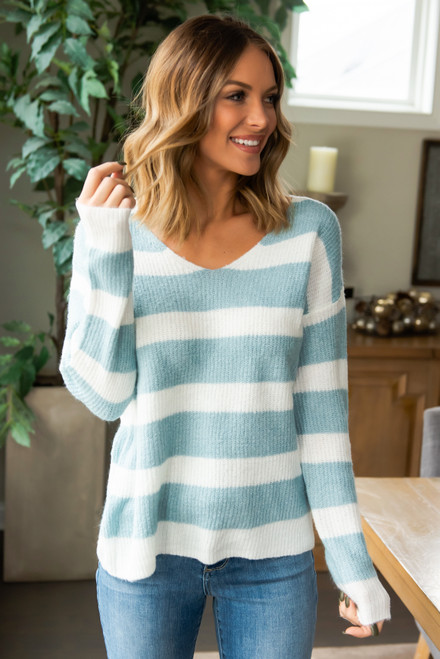 V-Neck Striped Sweater - Blue/White