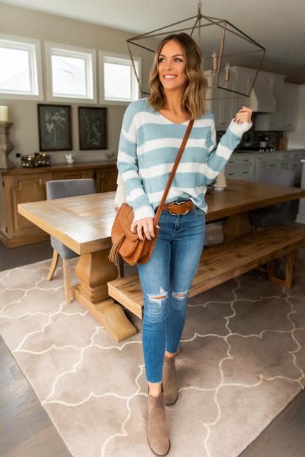V-Neck Striped Sweater - Blue/White