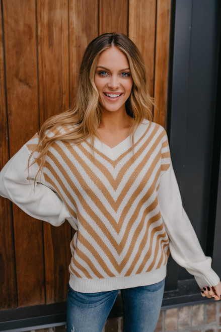 Contrast Sleeve Chevron Sweater - Ivory/Camel