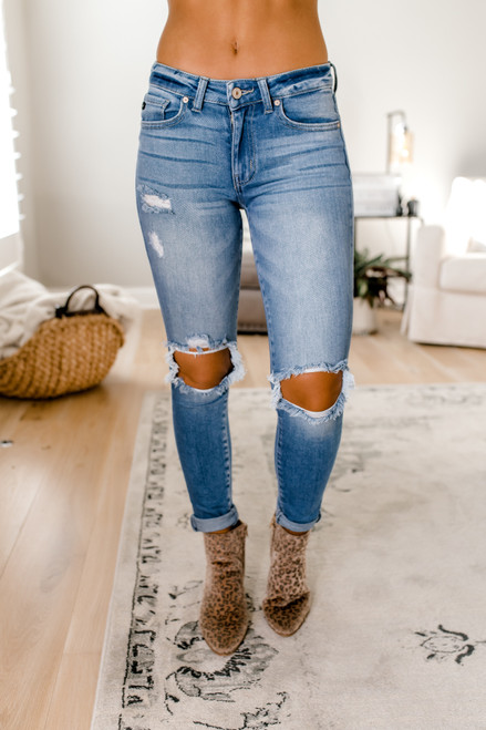 Comeback Queen Distressed Skinny Jeans - Medium Wash