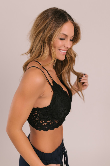 Goddess Scalloped Lace Bralette - Black
